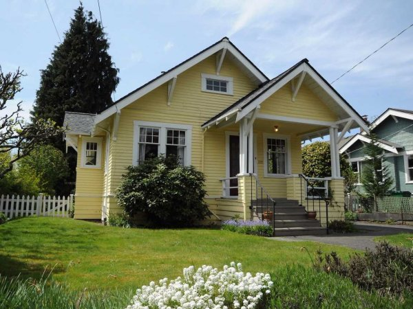 small-house-yellow-yard-1